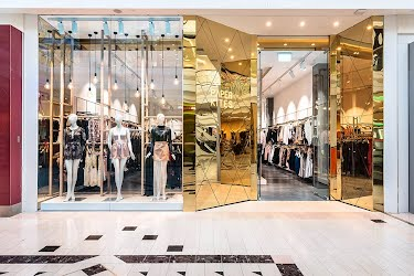 PAPER KITES | Retail interior design, project management, joinery. Eastland Shopping Centre, Ringwood for Paper Kites