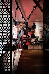 Fiorelli | Retail interior design and handwriting. Melbourne, Victoria for Fiorelli